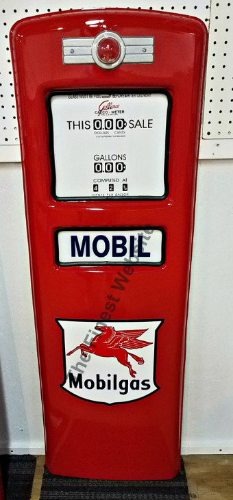 MOBILGAS  GAS PUMP DOOR DISPLAY